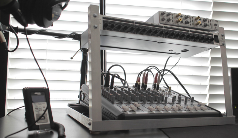 DIY Desktop Rack Mount for Podcasting – The Podcasters\' Studio