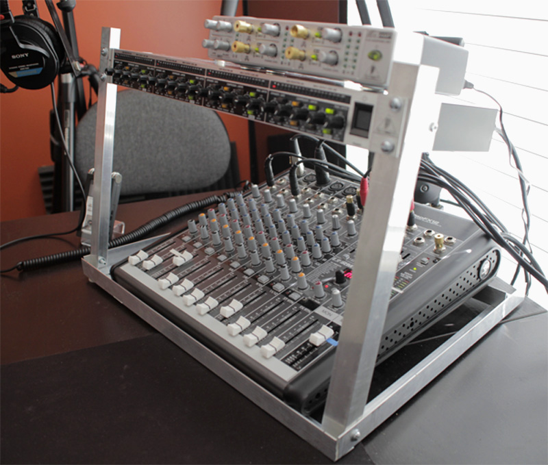 DIY Desktop Rack Mount for Podcasting – The Podcasters' Studio